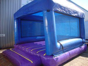 Hire bouncy castles