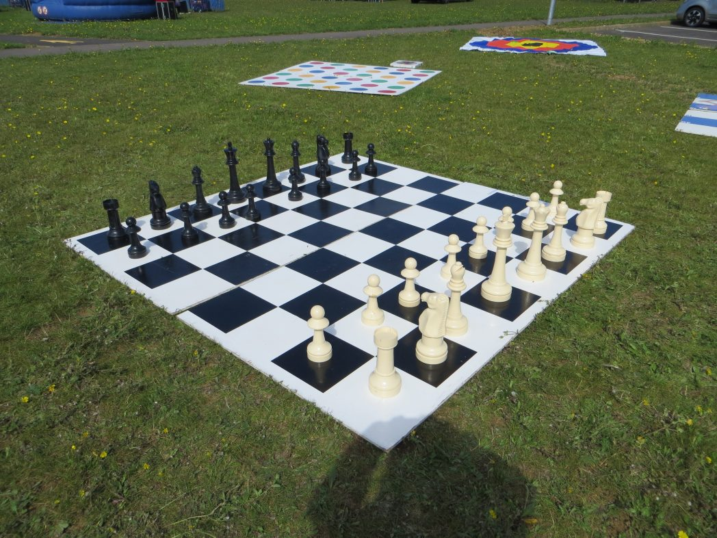 how to make a giant chess set